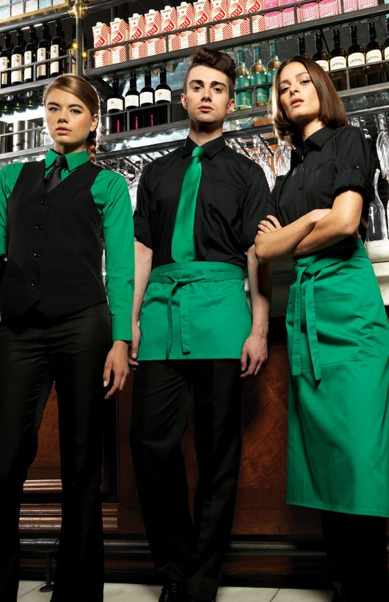 Мы выполняем заказы по пошиву одежды для сферы услуг. Костюмы для горничных, униформа для официантов, поварская одежда,  форма торгового персонала - это наша прямая специализация.